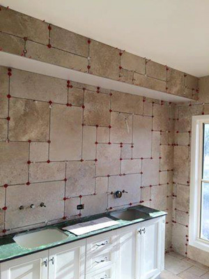 Variable offset pattern bathroom installation